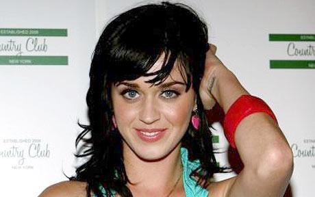 Katy Perry acusada de ser infiel acudirá a la justicia