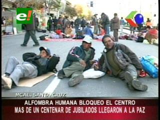 Rentistas jubilados llegaron a La Paz, negociarán con el Gobierno sobre el 6,5%