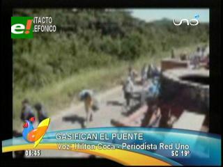"""Policía desbloquea de manera violenta la zona de """"El Puente"""""""