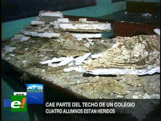 Cuatro estudiantes resultan heridos tras caer el tumbado de su aula