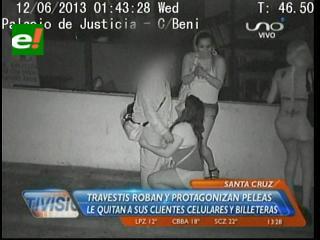 Santa Cruz: Travestis roban y protagonizan peleas en plena vía pública