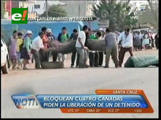 Cuatro Cañadas: Continúa el bloqueo y suspenden la salida de buses a Trinidad