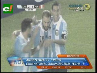 Con goles de Lavezzi y Palacio, la Argentina derrotó a Perú