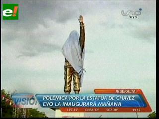 Polémica por la inauguración de una estatua de Hugo Chávez en Riberalta