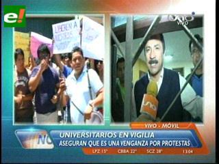 Universitarios hacen vigilia en la Felcc, exigen la liberación de los docentes de la Uagrm