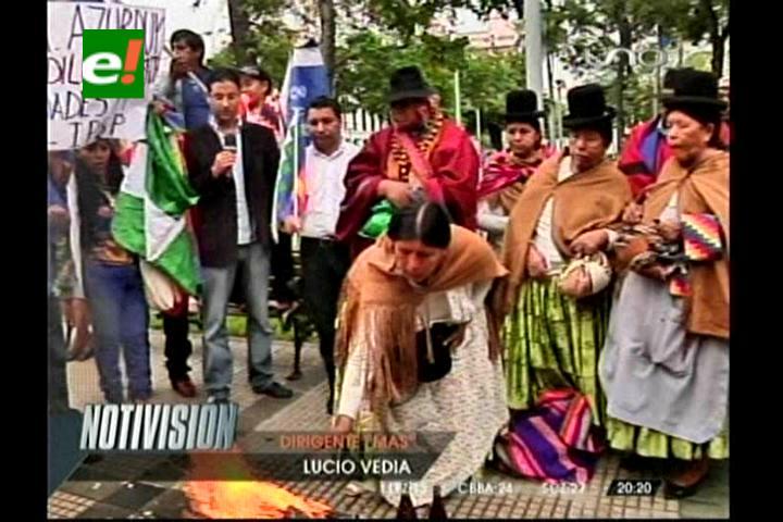 Aniversario del Estado Plurinacional: Masistas celebraron en la plaza principal de Santa Cruz