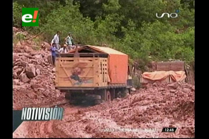 Viajes en la carretera nueva Cochabamba- Santa Cruz están suspendidas