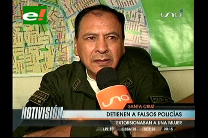 Detienen a dos falsos policías que extorsionaban a una mujer