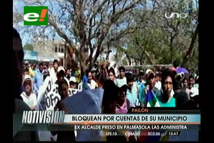 Pobladores de Pailón bloquean la carretera Santa Cruz-Beni, el Municipio tiene las cuentas congeladas