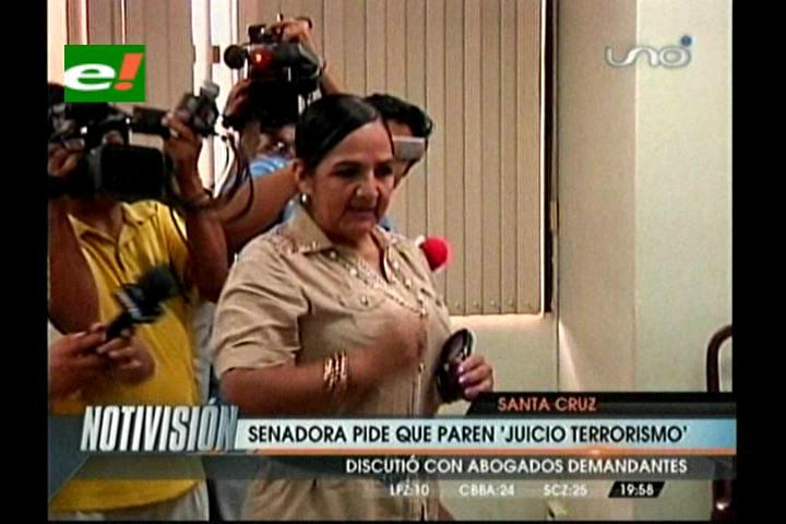 Senadora interpela a los fiscales del caso terrorismo y pide que se anule el proceso