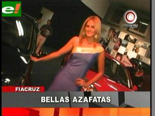María Teresa Roca y Olivia Pinheiro modelos en la Feria Automotriz