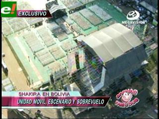Divinas y Famosos sobrevoló el escenario de Shakira