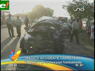 Choque frontal causa tres muertos en Cotoca