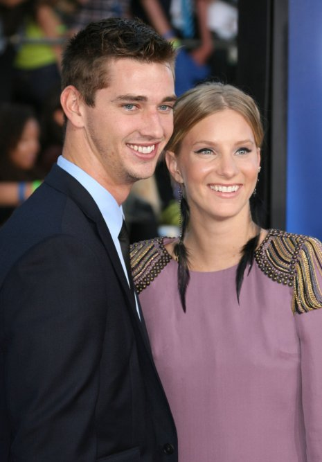 heather_morris_taylor_hubbell