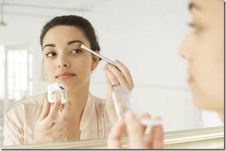 como-maquillarse-en-cinco-minutos 1