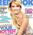 La cantante de música country Faith Hill bromeó con la portada de la revista Redbook al invitar a sus fanáticos a encontrar las diferencias entre la foto con su imagen real y la otra evidentemente trucada por los editores.