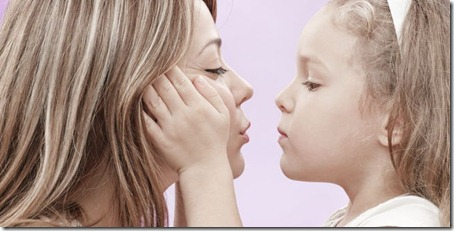 hijos-chicos-beso