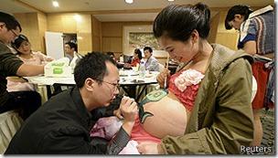 La ley china establece claramente la prohibición de abortar más allá del sexto mes de embarazo.