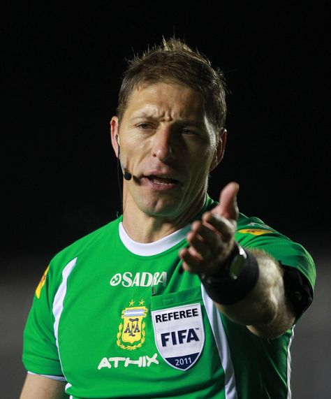 Néstor Pitana, árbitro argentino, que estará en Brasil 2014.Foto: Internet.