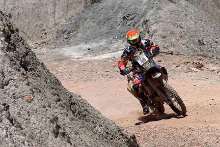 El-Chavo-firme-en-el-Dakar,-sube-al-puesto-15-tras-una-excelente-jornada