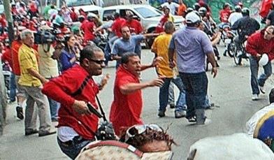 Resultado de imagen para colectivos armados en caracas