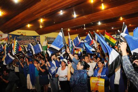 Imposibilidad-de-separar-partidos-politicos-de-Estado,-mal-cronico-en-Bolivia