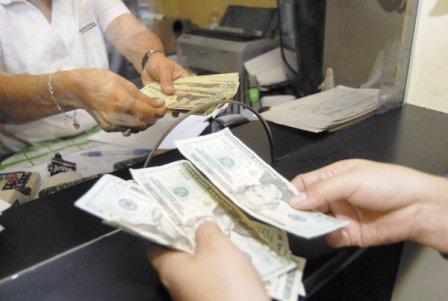 Bolivia-recibio-1.181,8-millones-de-dolares-en-remesas-en-2013