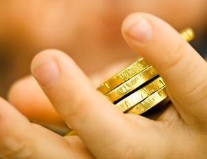 """¿De dónde viene la expresión histórica """"prometer el oro y el moro""""?"""