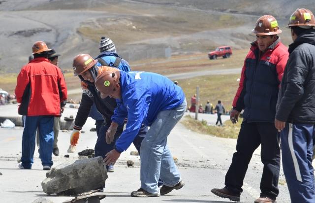 Fiscalía imputa a tres cooperativistas mineros por tenencia de explosivos