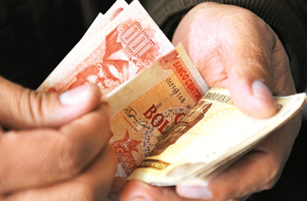 Empresarios-tendran-tres-meses-para-pagar-retroactivo-de-alza-salarial