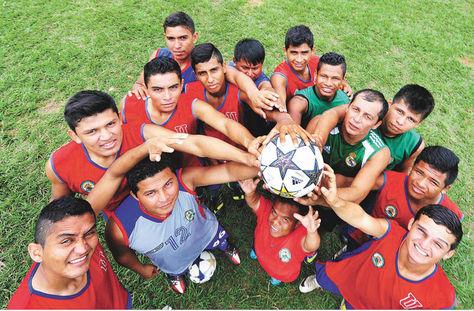Jugadores. Un grupo de integrantes de Universitario, el equipo que está a punto de  ascender a la Liga.