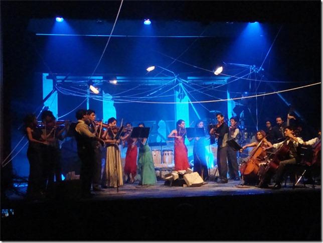 La orquesta compartirá escenario con bailarines, actores de teatro y miembros de la banda Doble-A.