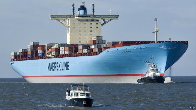Barco carguero de contenedores