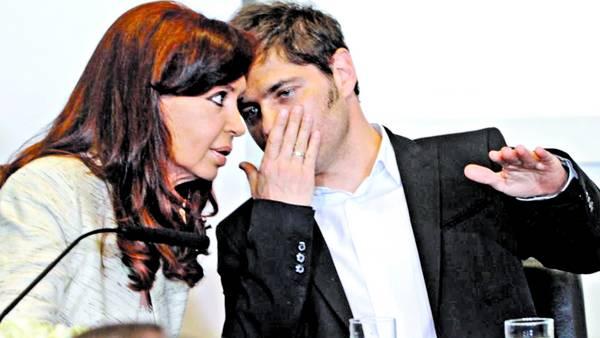 La Presidenta y el ministro. Cristina y Kicillof, un mes atrás en la Rosada, anunciando el plan de autos. Esta semana seguirán minuto a minuto el desenlace de la deuda/NESTOR SIEIRA