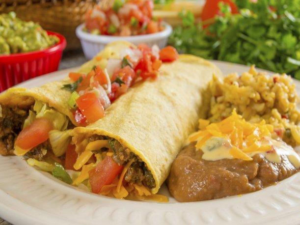 ¿Te gustan las enchiladas? Prepara este plato mexicano en casa
