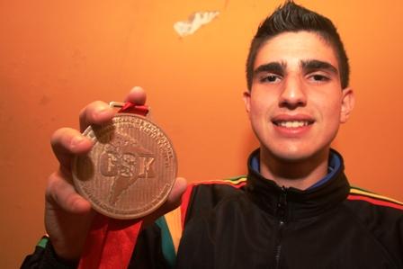 Dames-logro-unico-oro-para-Bolivia
