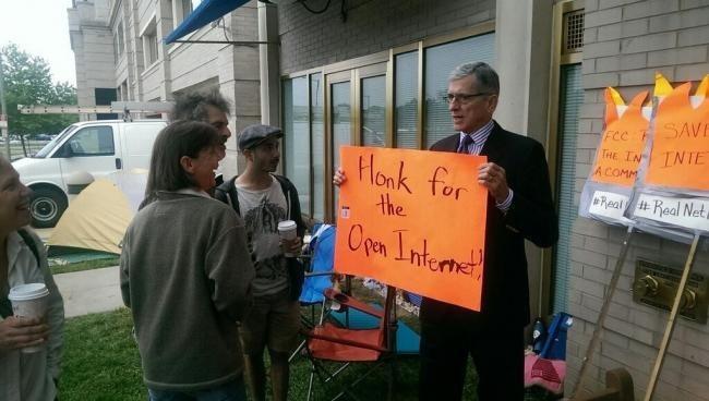 Honk for an Open Internet