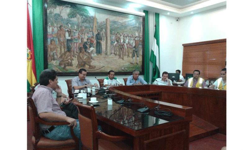 Gremiales se reunieron con las autoridades municipales para consensuar el traslado del mercado La Ramada.