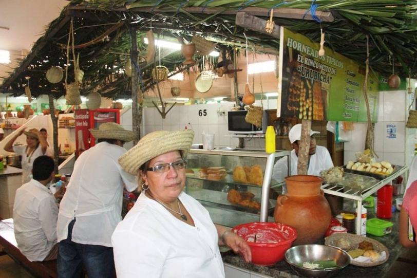 Feria de comidas típicas dan sabor a septiembre