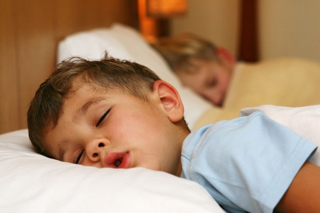 cuantas horas debe dormir un niño de 8 a 9 años
