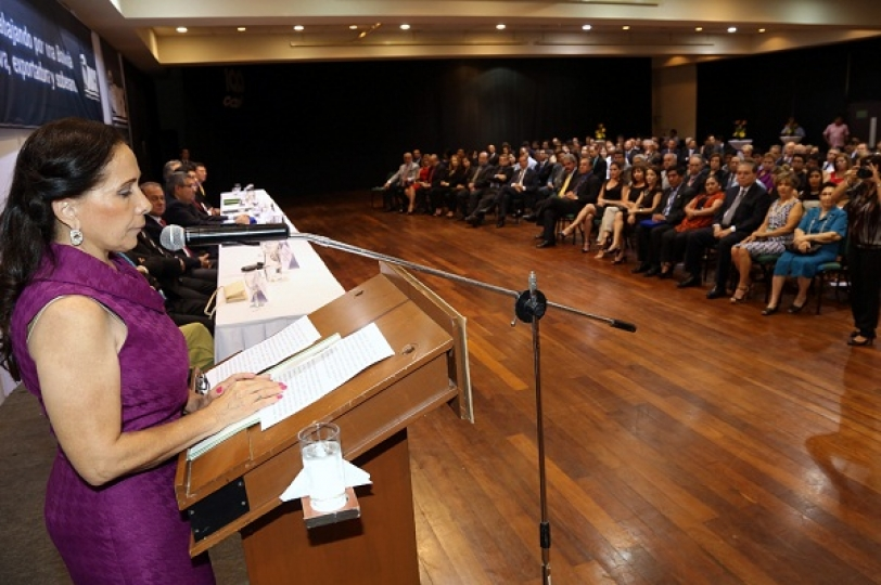 Ruth Lozada destaca aportes del IBCE al modelo productivo cruceño