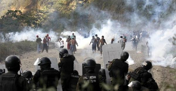 Dos personas fallecieron en mayo de 2010 durante la intervención policial al bloqueo en Caranavi