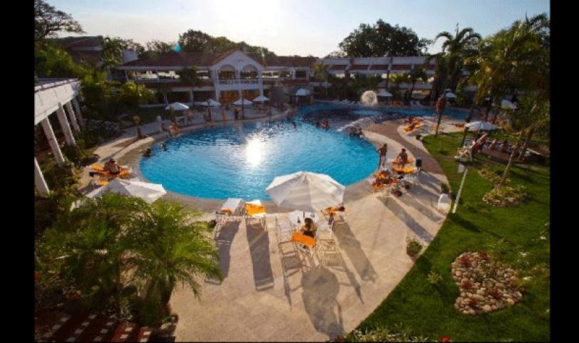 FERIADO. Hotel Los Cedros, atractivo turístico para visitar el 1 de mayo.