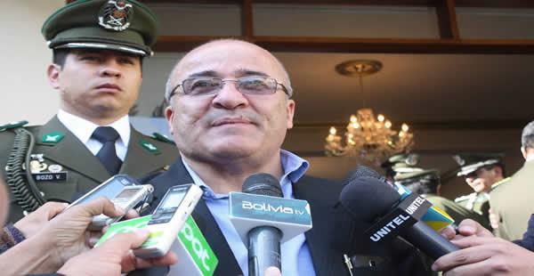 El ministro de Gobierno consideró distractivas las declaraciones del político opositor Ernesto Suárez.