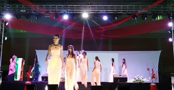 Las chicas también fueron presentadas en Comarapa