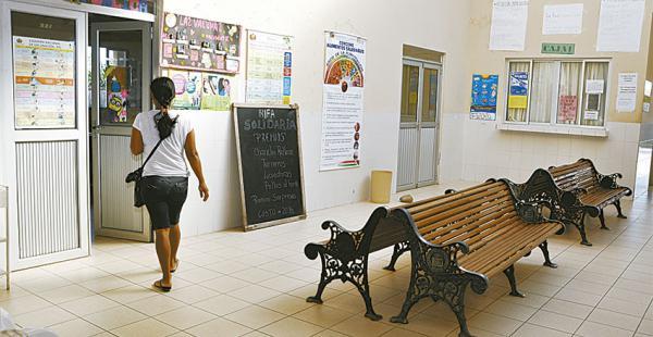 La atención en el nosocomio fue suspendida y sus instalaciones permanecieron casi desiertas