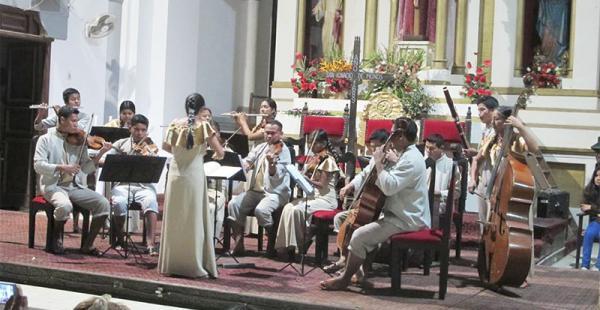 Los 18 integrantes del ensamble se despidieron de Bolivia con un concierto en la catedral de Trinidad