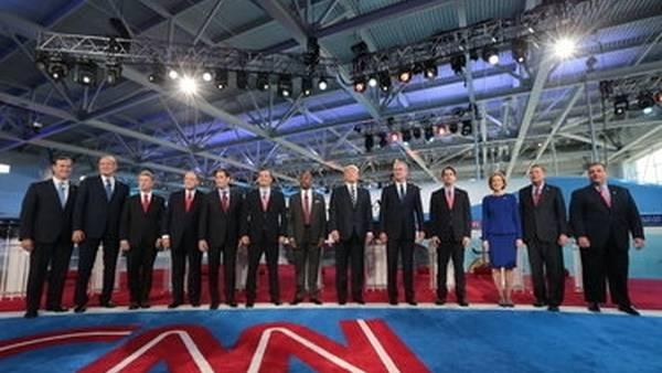 En escena. Los precandidatos republicanos, anoche, en la CNN.