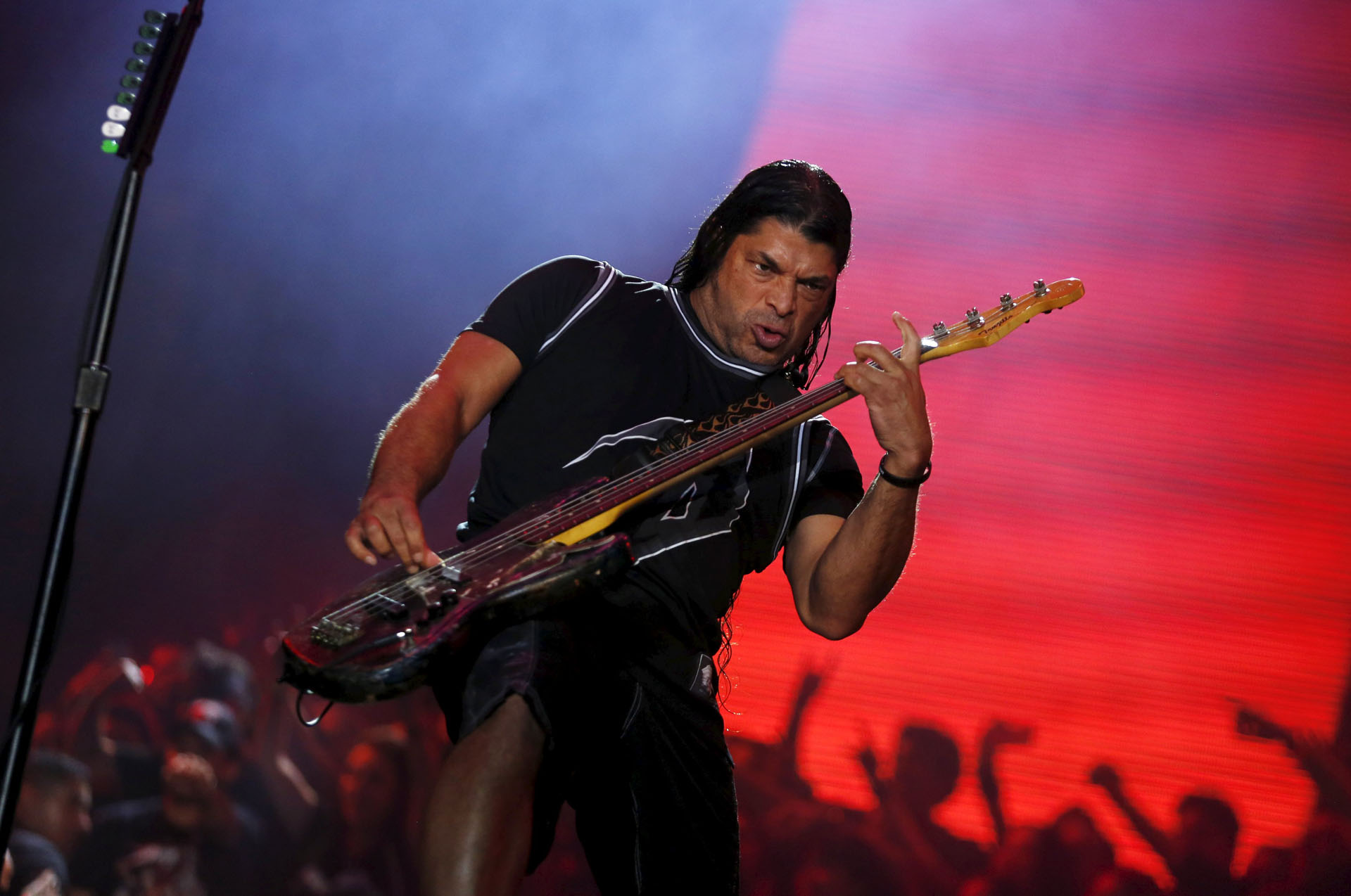 Robert Trujillo of Metallica performs during the Rock in Rio Music Festival in Rio de Janeiro, Brazil, September 20, 2015. REUTERS/Pilar Olivares
