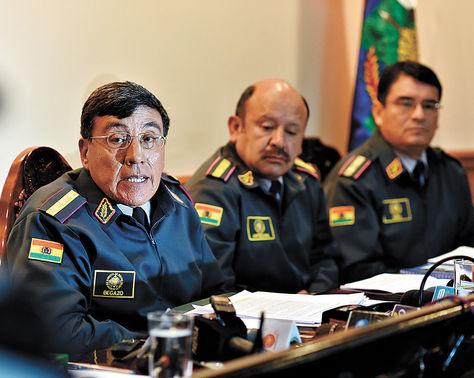 Denuncia. El Alto Mando del Ejército que demandó el juicio penal.